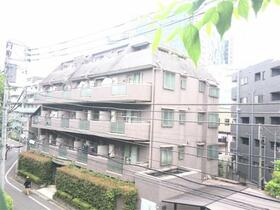 ドメイン東新宿の外観
