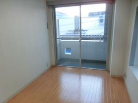 ハイデ野田 0201号室のリビング