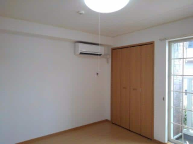 エテルノ中町 01020号室の玄関