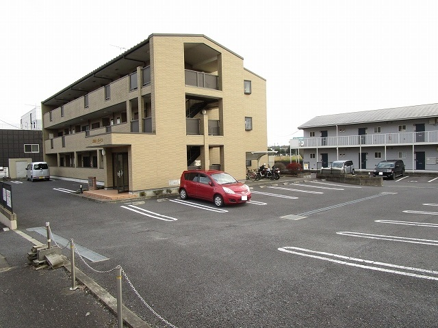 カルム ソレイユ JN 03040号室の駐車場