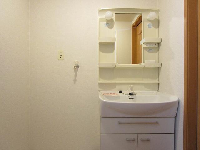 カルム ソレイユ JN 03040号室の洗面所