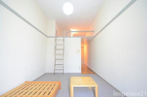 レオパレスアトリオ 203号室のリビング