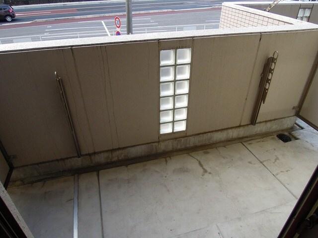 プリムローズ 02030号室のバルコニー
