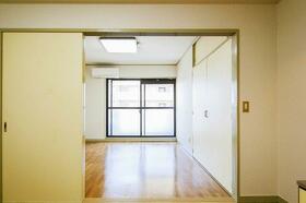 エトワール大宮 407号室のリビング