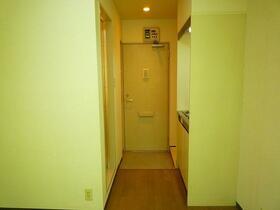 コーポ久松 107号室の玄関