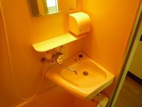 コーポ久松 107号室の洗面所