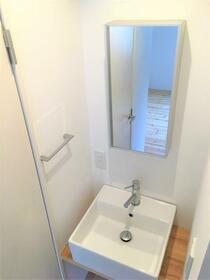 メゾンアンタレス 302号室の洗面所