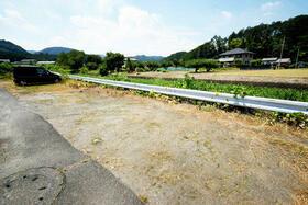 ビレッジハウス毛呂山2号棟のエントランス