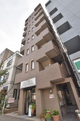 クレアトゥール新宿の外観