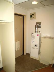 スカイコート横浜山手 301号室の玄関