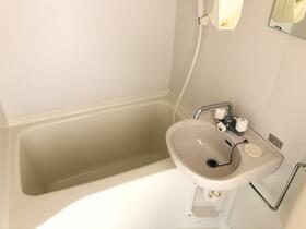 カサフローラ 102号室の風呂