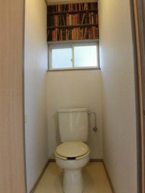 カーサフォレスト 203号室のトイレ