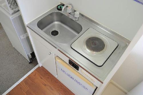 レオパレスサンライズⅡ 201号室のキッチン