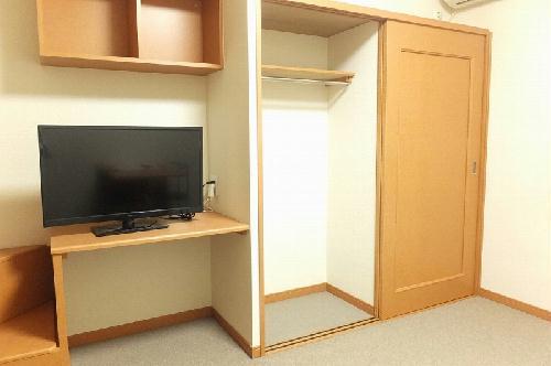 レオパレスGJ 204号室の収納