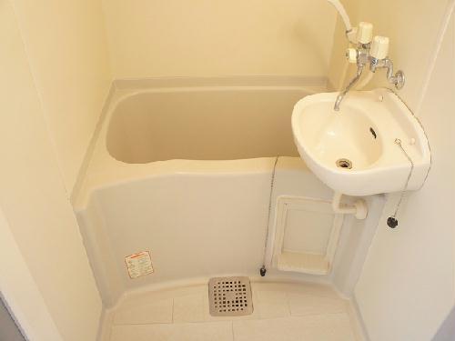レオパレスアイビー 101号室の風呂