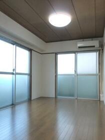 北新宿コーポ 101号室のリビング