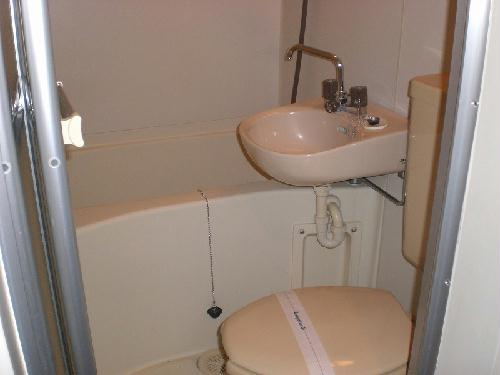 レオパレス西川田第2 102号室の収納
