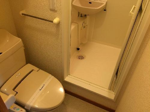 レオパレスGK 202号室のトイレ