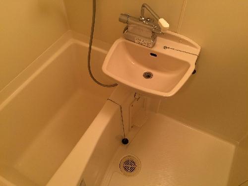 レオパレスGK 204号室の風呂