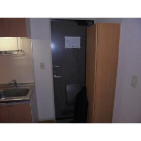八洲ハウス 0205号室の玄関