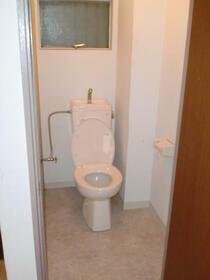 丸勝マンション 401号室のトイレ