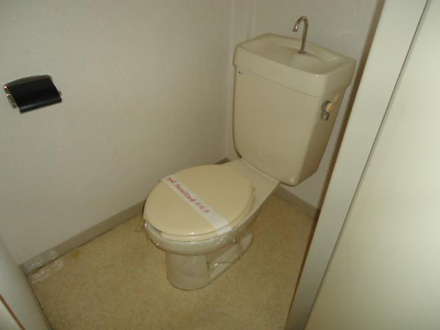リバティはなみずきA・B 10102号室のトイレ