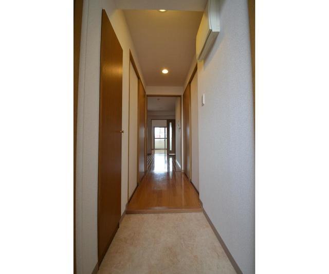 STD五条 506号室の玄関