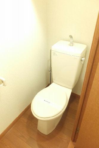 レオパレス松風 104号室のトイレ