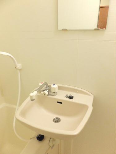 レオパレス松風 104号室の洗面所