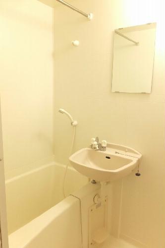 レオパレス松風 104号室の風呂