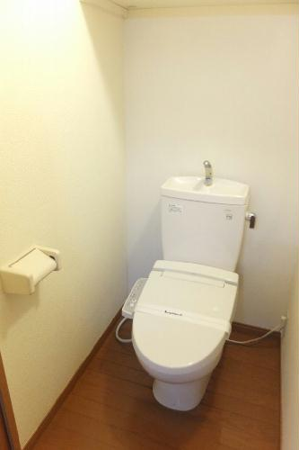 レオパレスエバ36A 202号室のトイレ