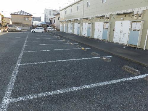 レオパレスエバ36A 202号室の駐車場