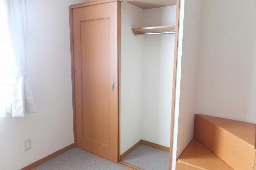 レオパレスエバ36A 202号室の収納