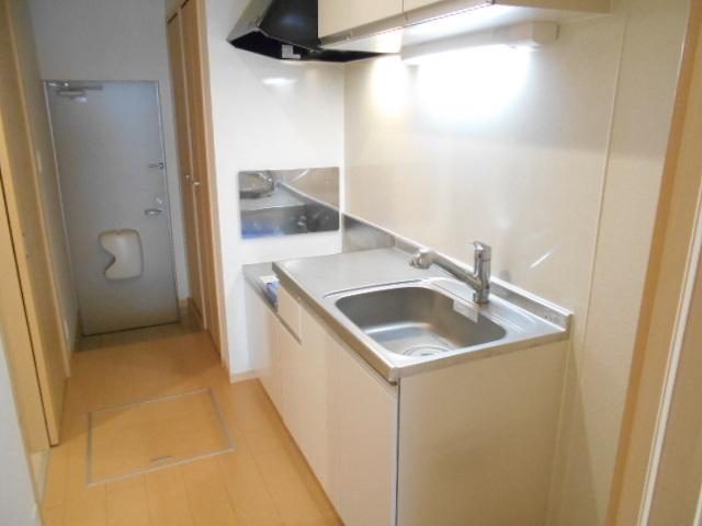 レジデンス桜 01020号室のリビング