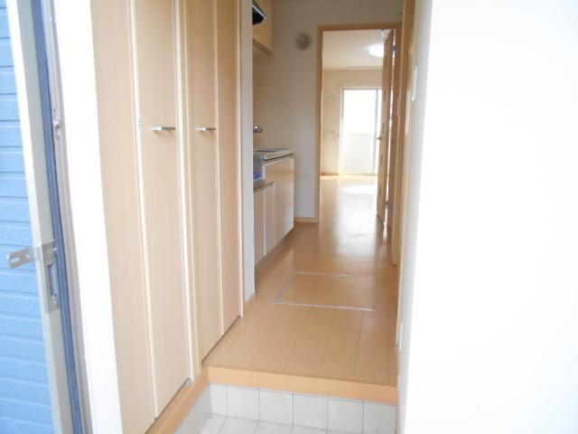 レジデンス桜 01020号室の洗面所
