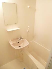 スカイコートヴァンテアン早稲田 405号室の風呂