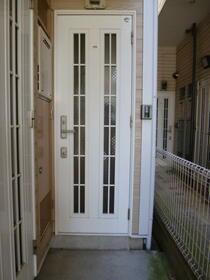 ロッシェル鹿沼台3号棟 205号室の玄関