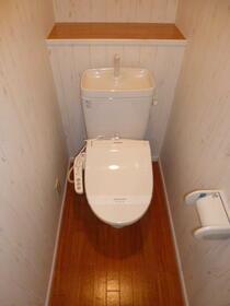 ロッシェル鹿沼台3号棟 205号室のトイレ