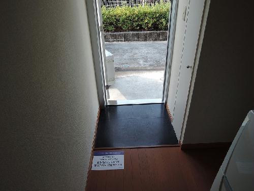 レオパレスGJ 101号室の玄関
