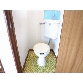 第二下高井戸ハイム 201号室のトイレ