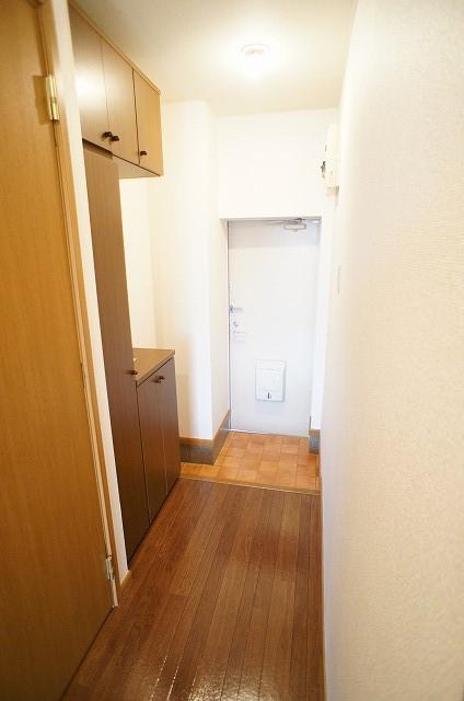 プレミールⅠ 01010号室の玄関
