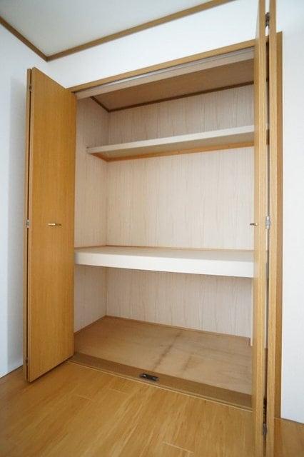 グランデ アウルム B 02010号室の収納