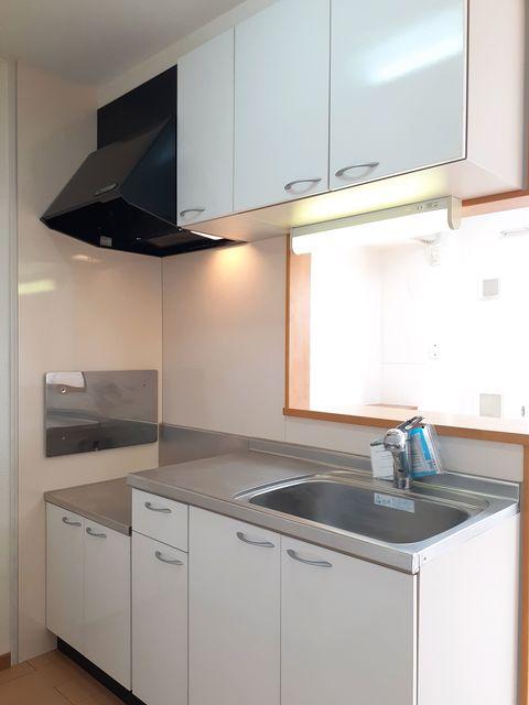 ラヴィアンローズ 02030号室のキッチン