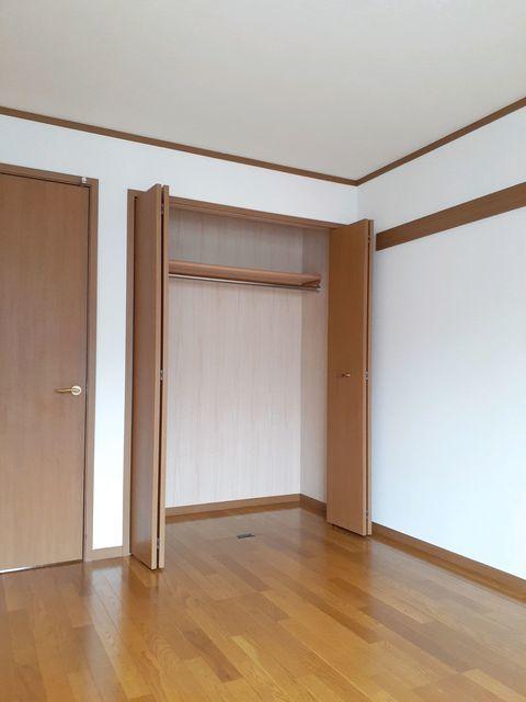 オーベルジュ・ド・ラフィーネ 01030号室の収納