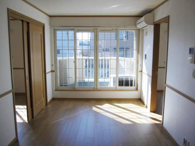 ヴィラ・ルミエールⅡ 02010号室のバルコニー