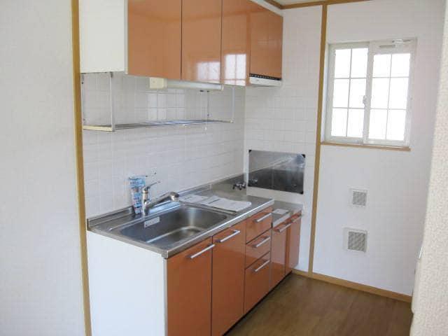 ヴィラ・ルミエールⅡ 02010号室のキッチン