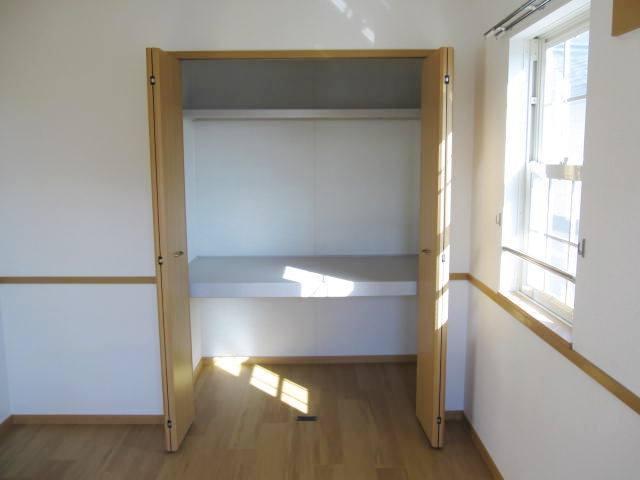 ヴィラ・ルミエールⅡ 02010号室の収納