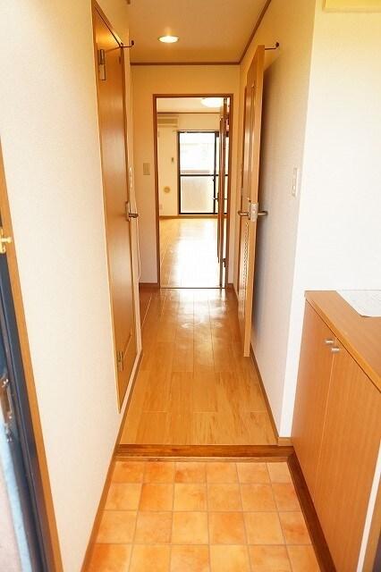 マーヴェラス太田 02040号室の玄関