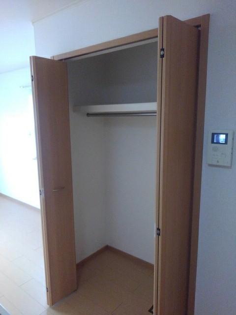 マーブルコート 01020号室の収納