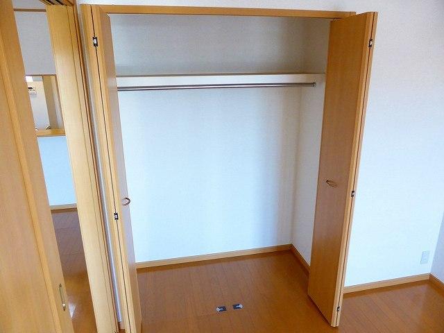 ブルック メゾンC 02030号室の収納